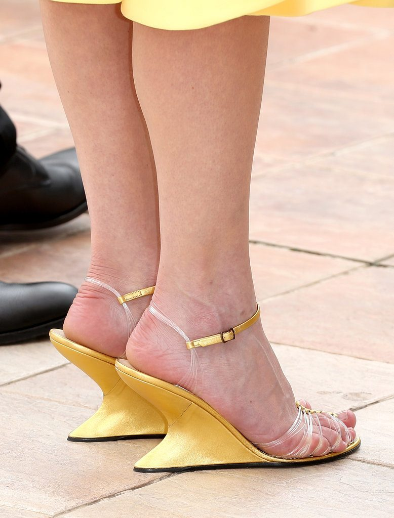 Kirsten Dunst in Salvatore-Ferragamo-Wedges