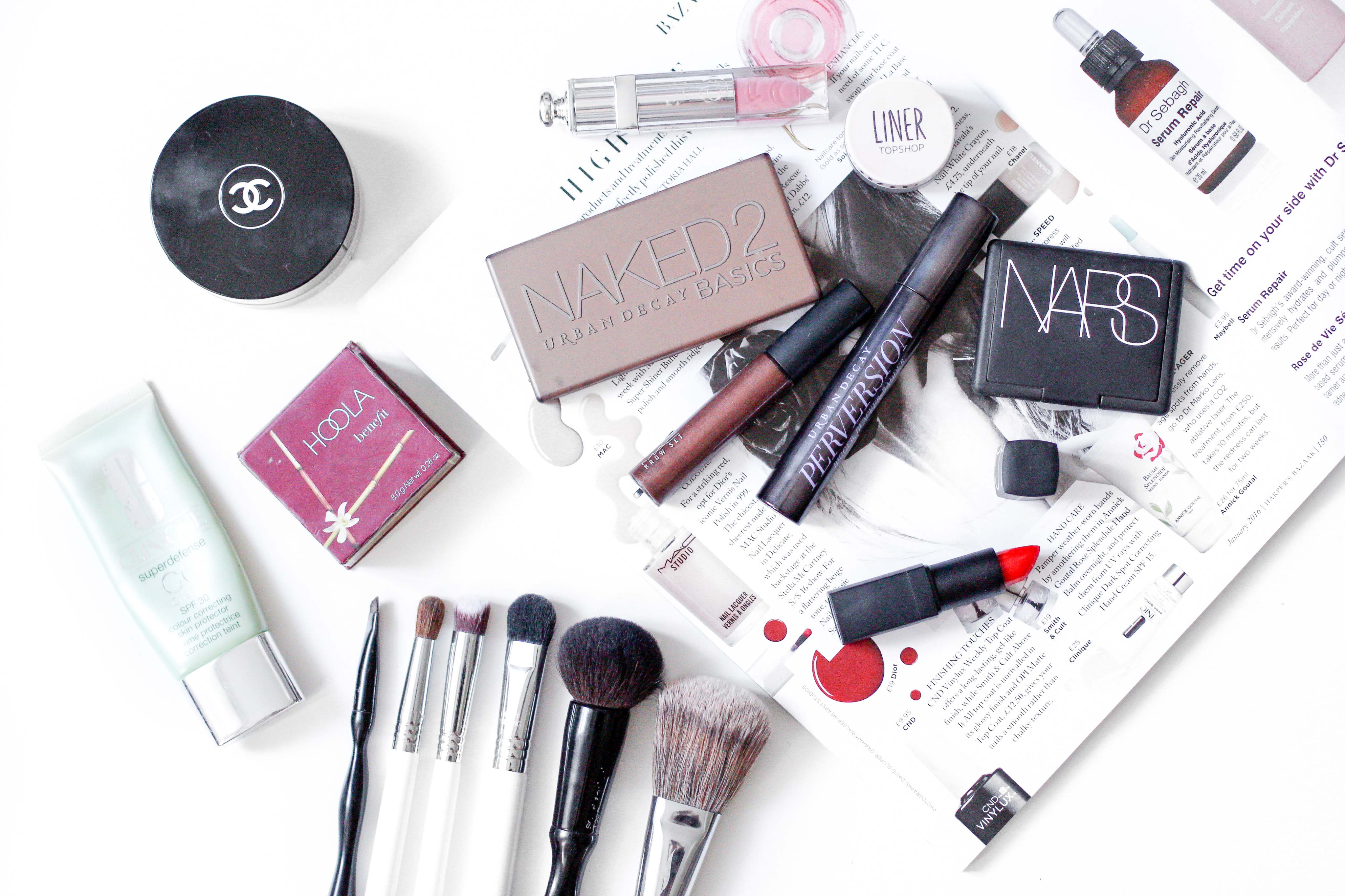 10 Make-up Products every woman should own