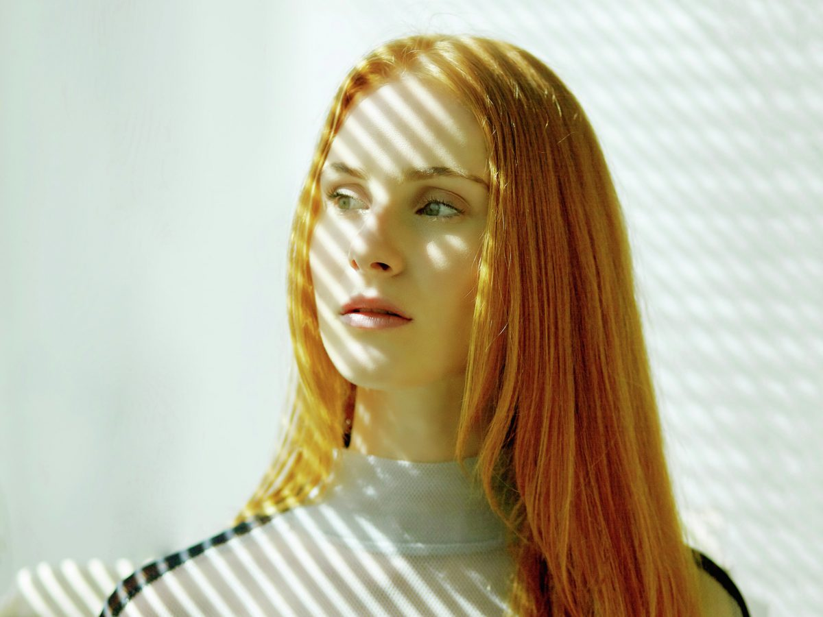 Watch Vera Blue take on the vintage shops of East London!